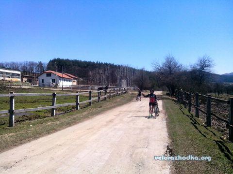 През ловно стопанство Искър с колело